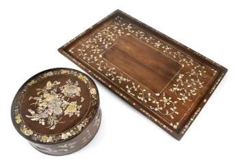 WOODEN LIDDED BOX WITH MOTHER OF PEARL