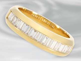 Ring: 18K gold, unusual half eternity Ring with fine Baguette diamonds, approximately 0.6 ct, in mint condition
