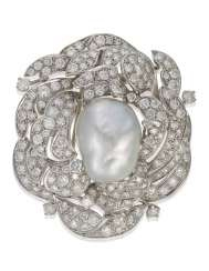 CULTURED PEARL AND DIAMOND PENDANT BROOCH