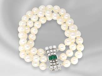 Bracelet: very decorative, 3-row vintage pearl bracelet for breeding with very high quality emerald/brilliant-Clasp, handmade, approx 2.2 ct