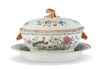 A CHINESE EXPORT SHAPED-OVAL 'DOUBLE PEACOCK' TUREEN, COVER AND STAND
