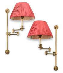 A PAIR OF BRASS ADJUSTABLE WALL-LIGHTS