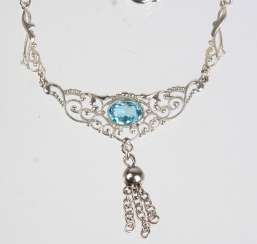 Neck necklace with genuine Topaz