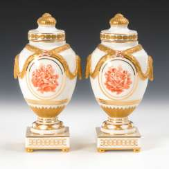 2 cover vases with putti painting, antique KPM Berlin.