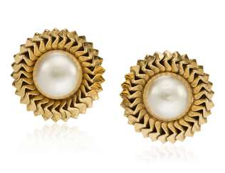 UNSIGNED CHANEL FAUX PEARL EARRINGS