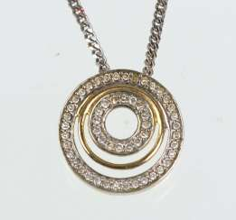 Diamond pendant on chain WG / GG 375/333