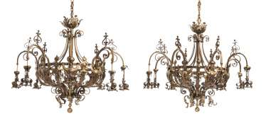 A PAIR OF LARGE FRENCH 'ART NOUVEAU' BRASS EIGHT-LIGHT CHANDELIERS