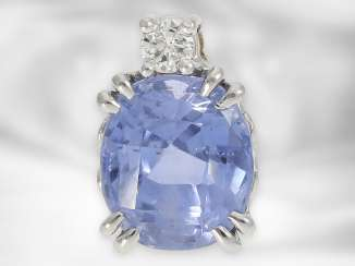 Pendant: fine pendant with light blue sapphire and brilliant, sapphire approx. 4.5