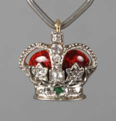 Pendant as a crown