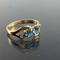 Elegant women's ring: Yellow-Gold 750 with two Topaz, very good.