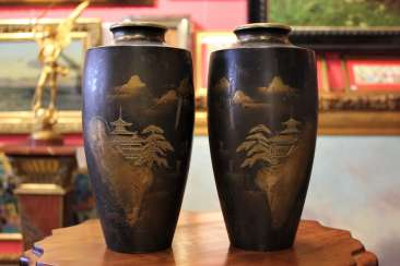 Pair of bronze vases, the twentieth century