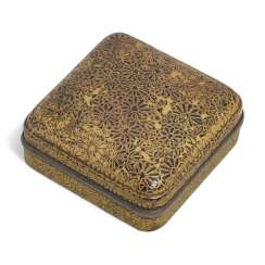 A SQUARE LACQUER INCENSE BOX (KOGO) WITH CHRYSANTHEMUM FLOWERS