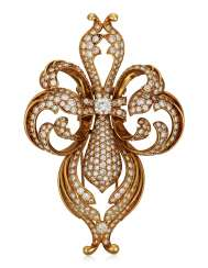 DIAMOND AND GOLD BROOCH