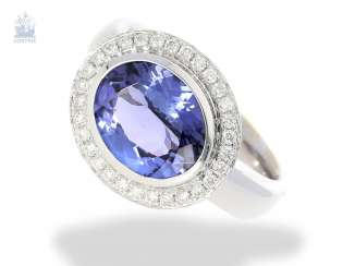 Ring: high quality gold ring with tanzanite in top quality and fine brilliant blacksmith, mint