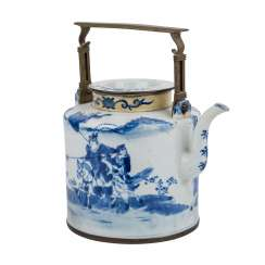 Large blue and white pot made of porcelain. CHINA.