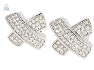 Earrings: modern, extremely decorative and high-quality, brilliant earrings, approx 2.5 ct, Italian crafted from 18K white gold