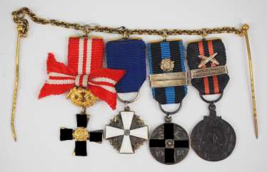 Finland: miniature chain with 4 decorations of a veteran of the field army.