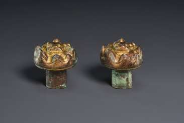 A PAIR OF GILT-BRONZE ZITHER STRING ANCHORS, SE RUI