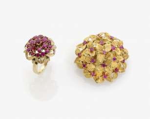 BROOCH AND RING WITH RUBIES . Italy, 1970s