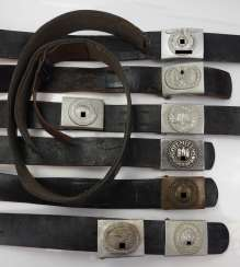 3rd Reich: Collection of belt locks with belts.