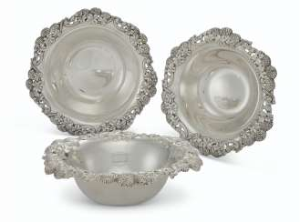 A SUITE OF THREE MATCHING AMERICAN SILVER BOWLS