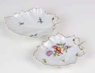 2 hand painted leaf bowls maximum