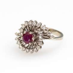 Ring with diamonds and ruby.