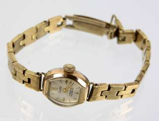 Ladies watch with bracelet in GG 333