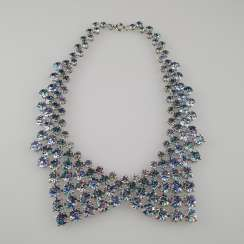 Magnificent vintage collar in the shape of a collar