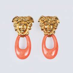 Pair of coral gold earrings 'Medusa Rondanini'