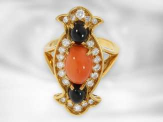 Ring: very nice, fancy lady's ring with brilliants, Onyx and coral, 18K Gold, expensive gold forging work, probably a unique