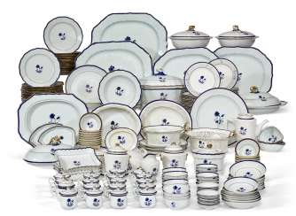A CHINESE EXPORT BLUE ENAMEL AND GILT PART DINNER SERVICE