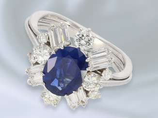 Ring: attractive and valuable vintage gold wrought ring with sapphire/diamond setting, hand made, 14K white gold