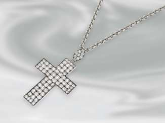 Chain/necklace: silver chain with extremely high quality and fully occupied diamond/cross pendant, approx. 10ct old European cut diamonds