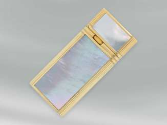 Lighter is a luxurious lighter with fine mother-of-pearl-coating, 18K Gold