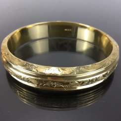 Fancy and heavy bangle bracelet: yellow gold 585, engraved, handmade.