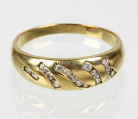 Gold ring with cubic Zirconia - yellow gold 333