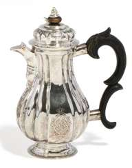Small coffee pot with Régencedekor