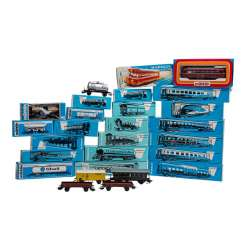 MÄRKLIN comprehensive collection of passenger and freight cars, gauge H0