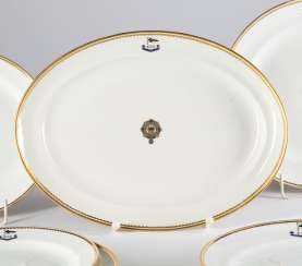 Oval dining plate I. M. Yacht