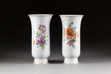 TWO LARGE VASES WITH BOUQUETS OF FLOWERS
