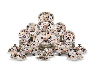 AN EXTENSIVE ENGLISH PORCELAIN PART DINNER-SERVICE