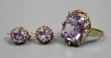 Ring and earrings with amethysts