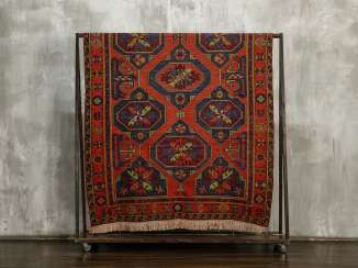 Antique one-sided lint-free carpet