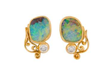 PAIR OF EAR STUDS WITH DIAMONDS AND OPAL