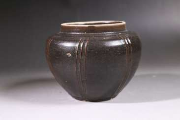 A BLACK-GLAZED JAR SONG DYNASTY (960-1279)