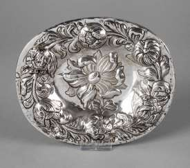 Silver Baroque display plate