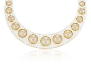 UNSIGNED CHANEL LUCITE AND FAUX PEARL NECKLACE