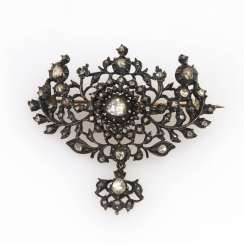 Antique brooch with old European cut diamonds