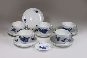 Five coffee cups, six bottom, Royal Copenhagen